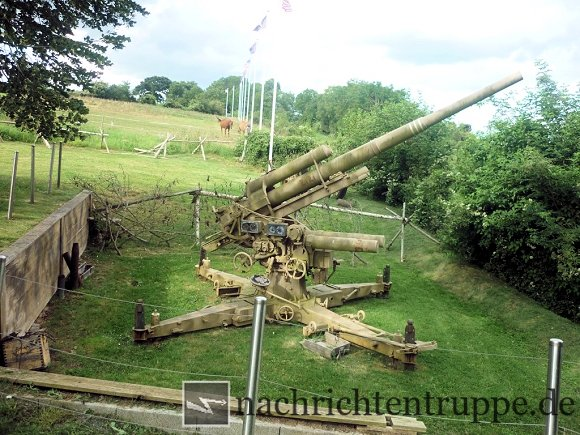 Eine 8,8cm Flak in Carentan